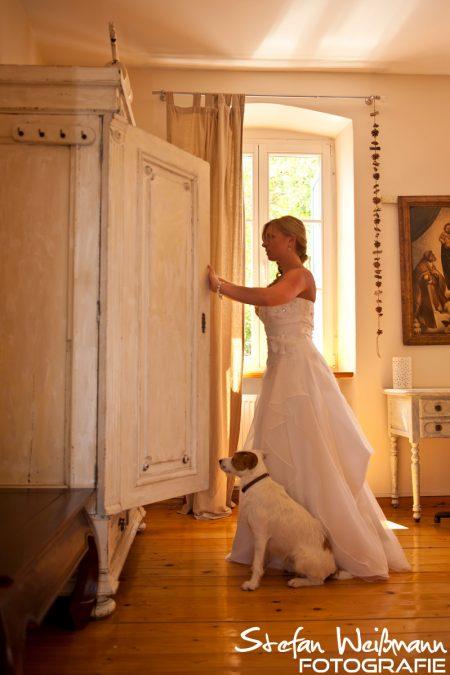 Die Braut und ihr treuer Begleiter